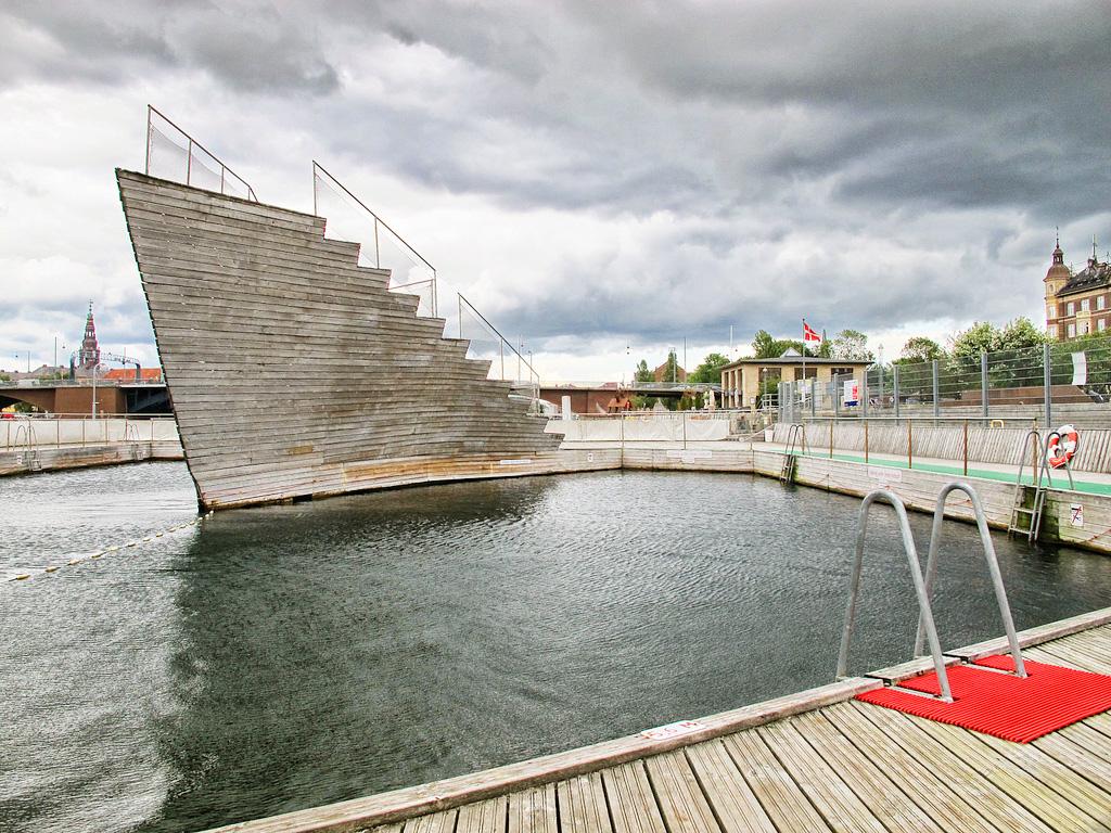 Вышка в форме корабельного носа, Copencabana, Копенгаген