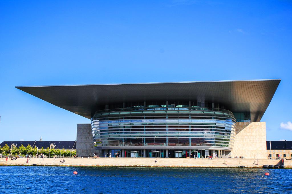 Здание новой оперы в Копенгагене