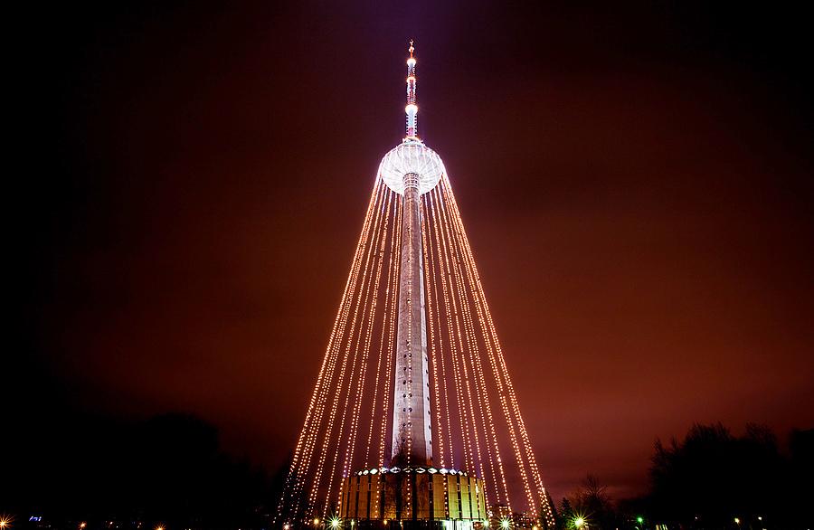 Новогодняя елка на Вильнюсской телебашне