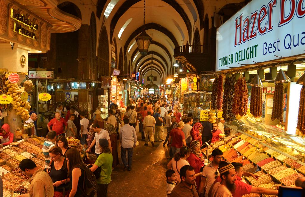 Базар спецый в Стамбуле