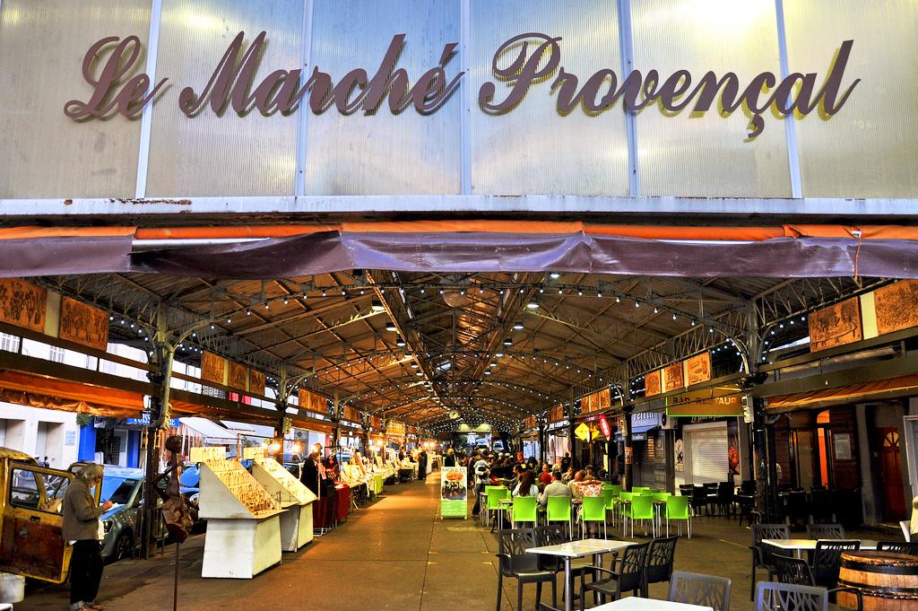Вход в рынок Марше Провансаль, Антиб