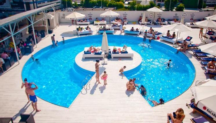 City Beach Club на крыше Ocean Plaza, Киев
