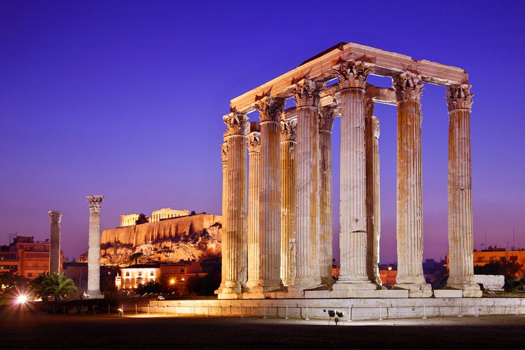 Ночной вид на храм Зевса Олимпийского