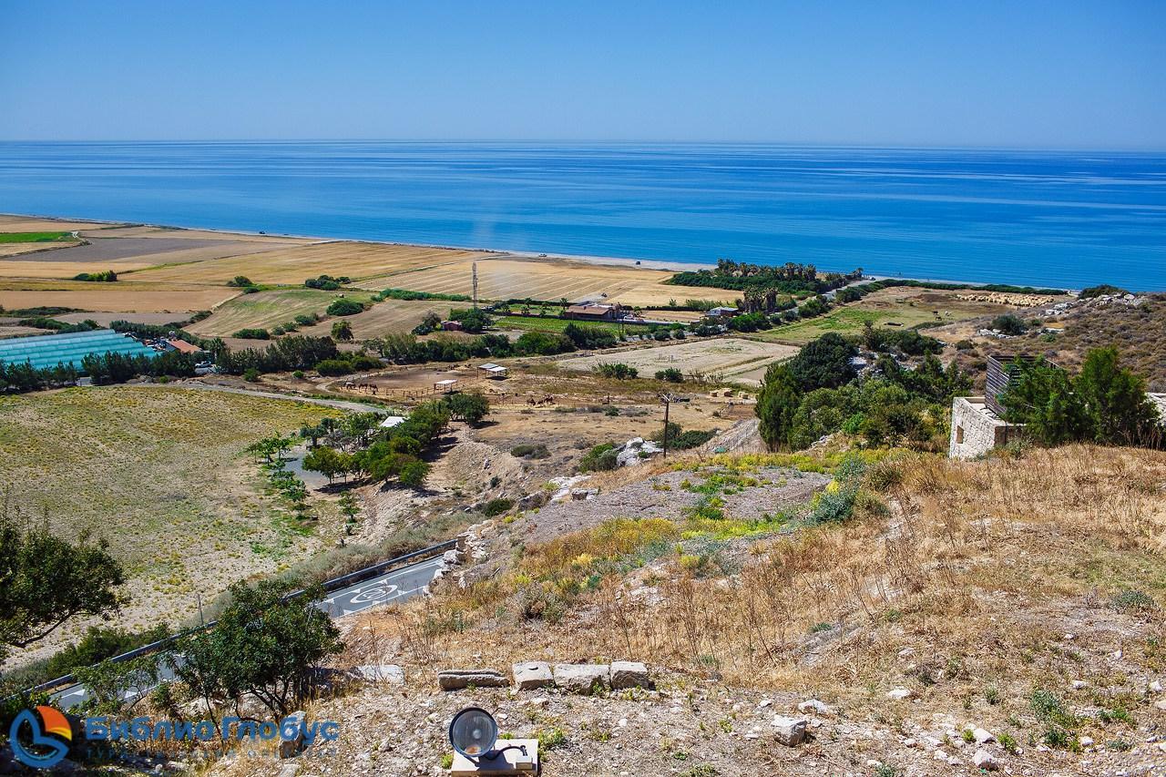 «Библио Глобус» поощрил лучших петербургских партнеров VIP-туром на Кипр