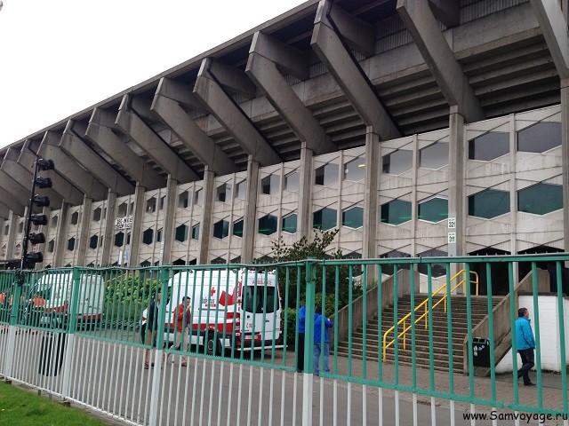Стадион Брюгге снаружи