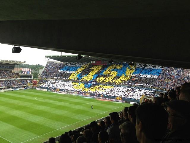 Заполненный вираж стадиона Брюгге