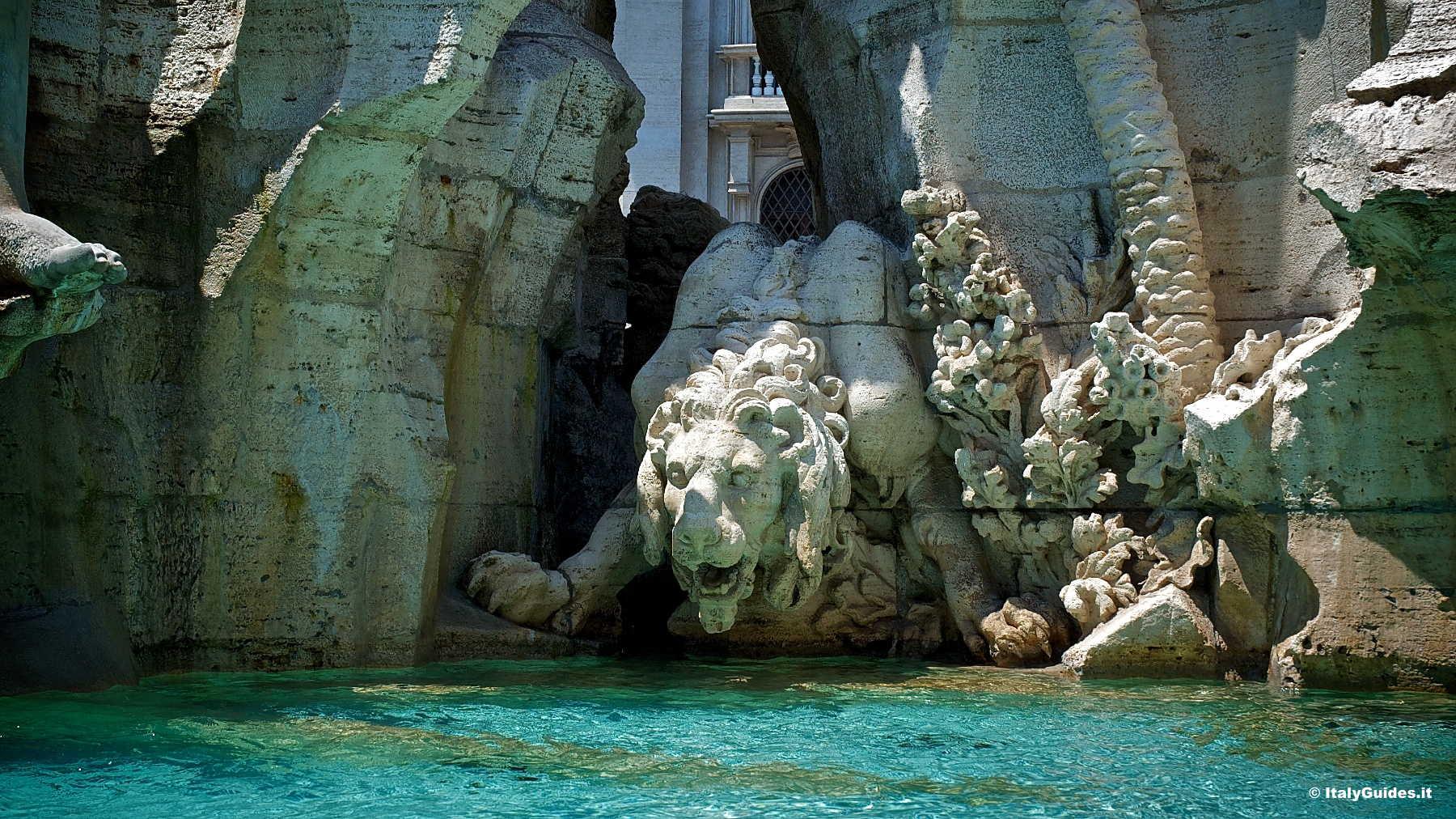 Фонтан 4 рек в Риме
