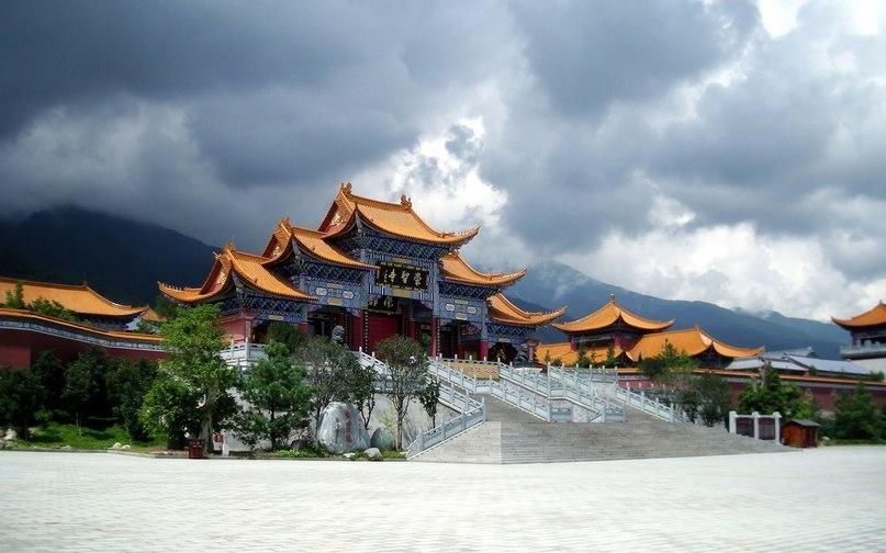 Храм в провинции Юньнань, Китай