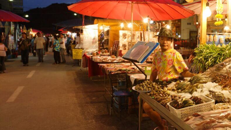 Night Market в Хуа Хине
