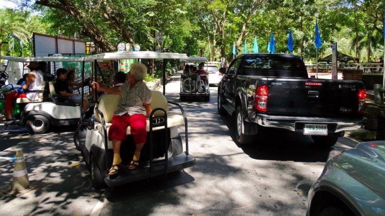 Аренда авто в зоопарке Кхао Кхео в Паттайе