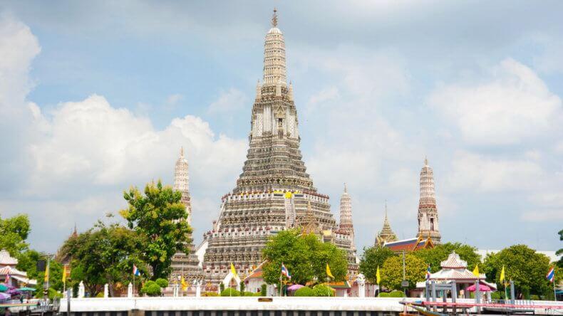 Храм Wat Arun в Бангкоке