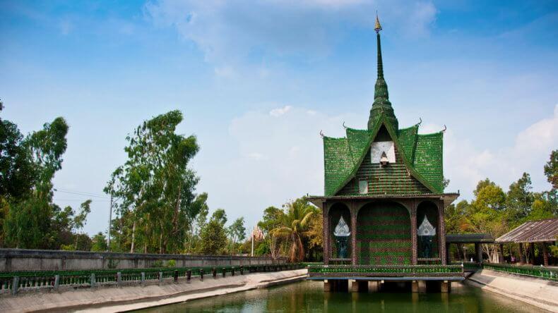 Храм Wat Lan Kuat в провинции Сисакет