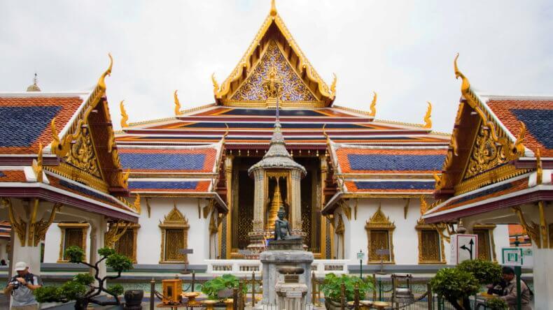Храм Wat Phra Kaeo в Бангкоке