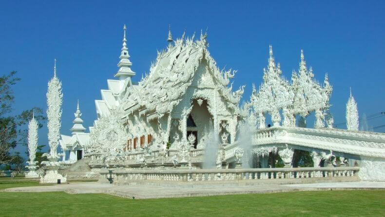 Храм Wat Rong Khun в Чианг Рае