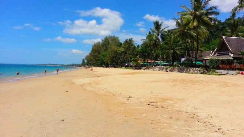 Пляж Банг Нианг (Bang Niang Beach) в Као Лак