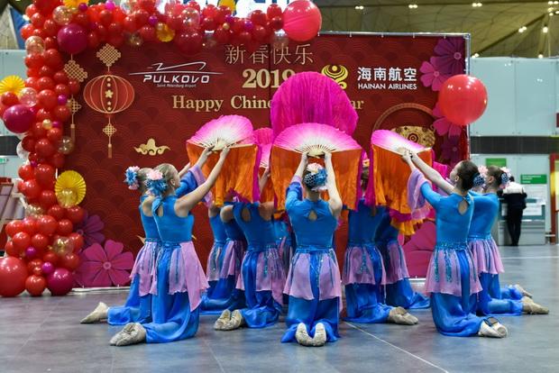 В Пулково в Китайский Новый год научили основам чайной церемонии и показали приемы восточных единоборств
