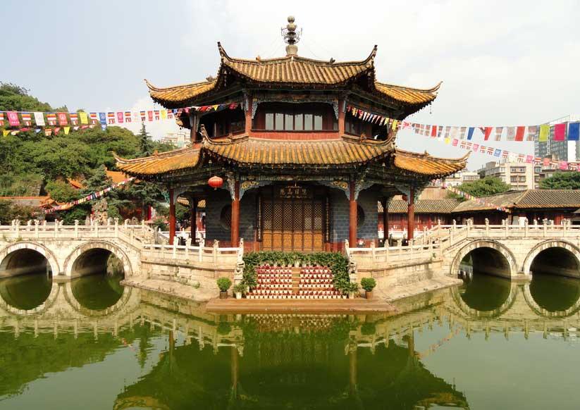 Храм в Куньмин