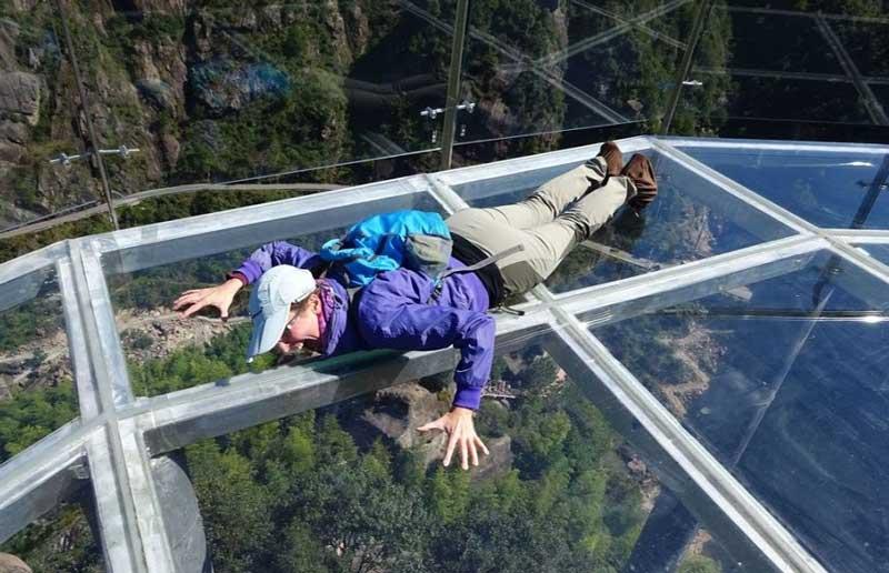 Мост в Китае из стекла