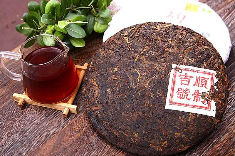 Чай Шэн Пуэр (зеленый) и Шу Пуэр (черный)
