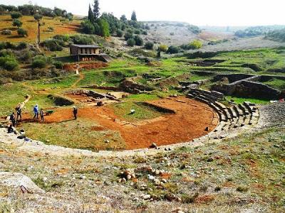Фивы Греция - вид на руины