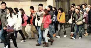 Китайские туристы потратили в России около миллиарда долларов США